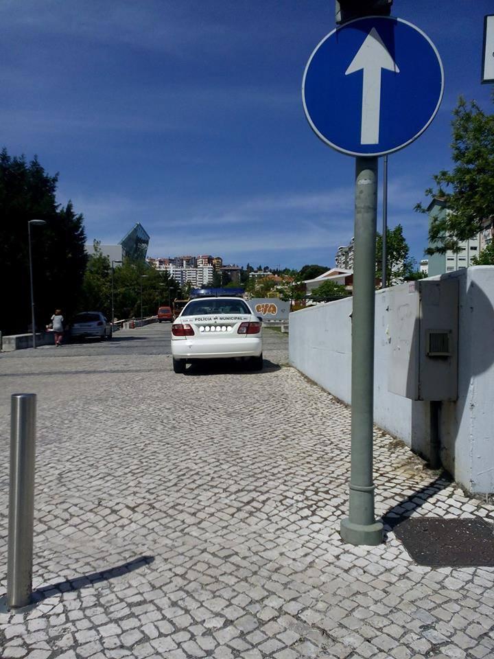 estacione onde puder
